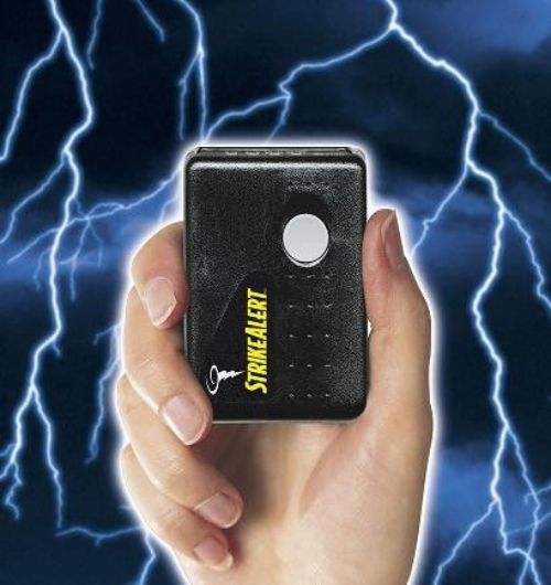 Best Lightning Detector Reviews (Stay Safe in Storms)