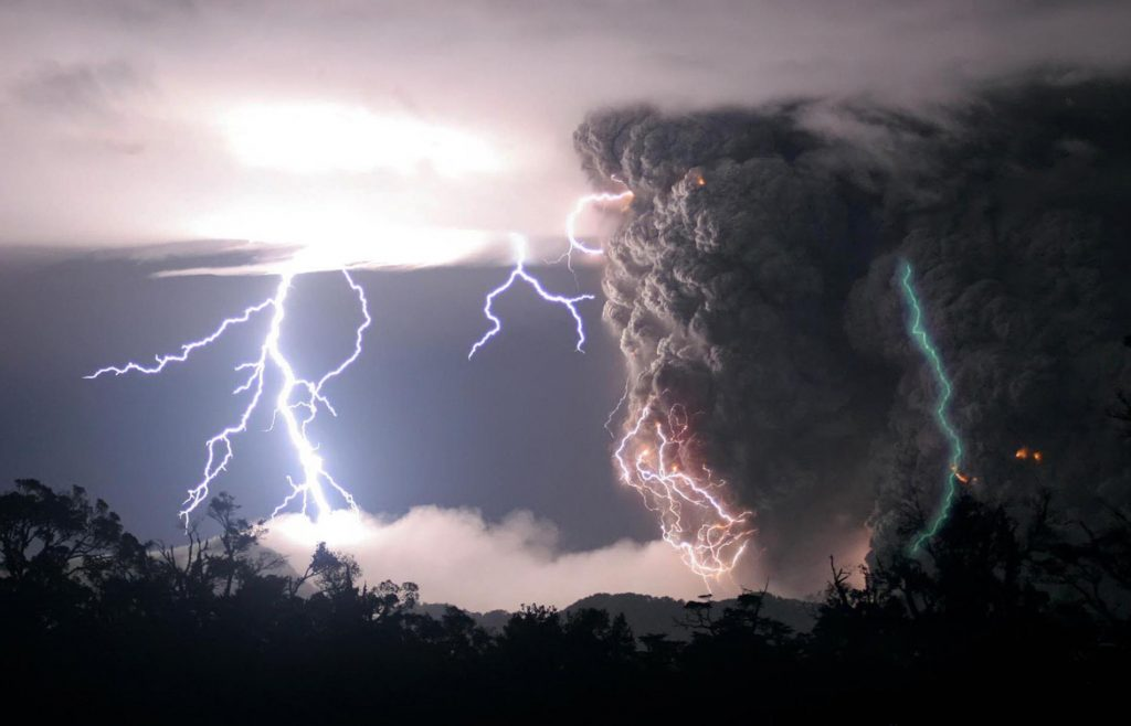 Green lightning: Is it real, and what does it mean